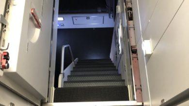 Do Pilots Sleep During Longtime Flights? (Crew Rest Rooms)